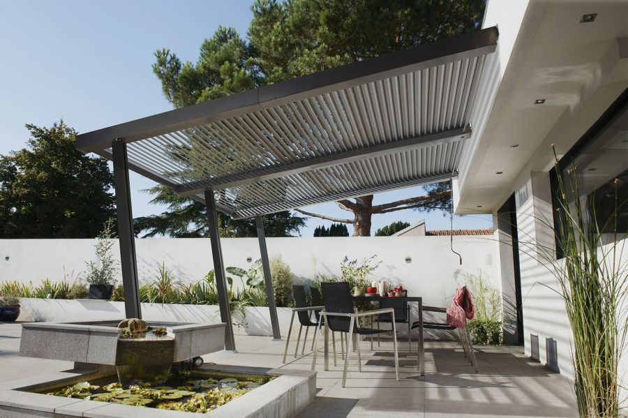 With Just 5º Of Opening, The Pergola Is Still Waterproof Despite Rain, But  Allows The Area To Aerate To Avoid A Greenhouse Effect. In A Position Of  90º, ...